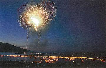 「花火と灯籠流し」 長 武彦さん (福井市)