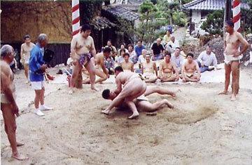 「草相撲の日」 関松鯉さん (敦賀市)